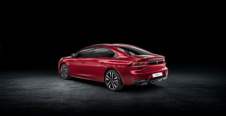 PEUGEOT_508 GT BlueHDi_R-red
